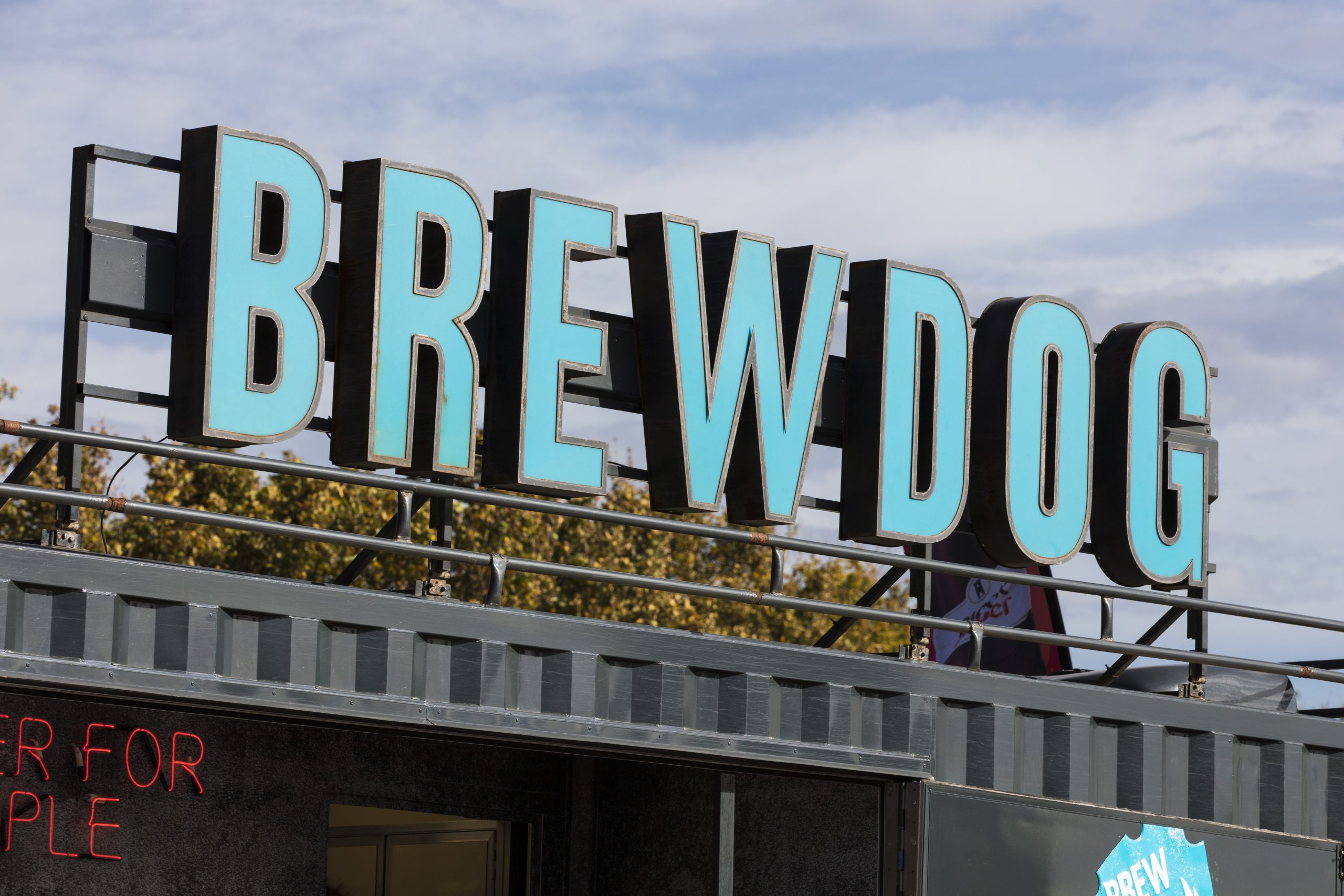 Brewdog S Staggeringly Overvalued Crowdfunding Round Brewers Valued At 1 85bn Or 8 6 Times Revenue Ifa Magazine